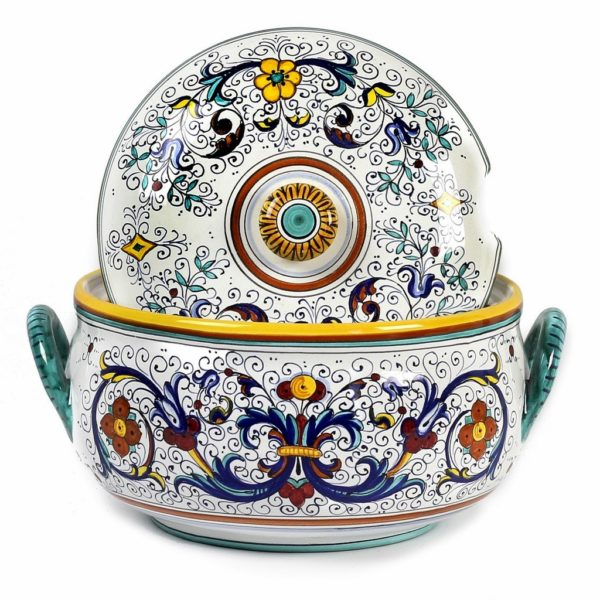soup tureen features
