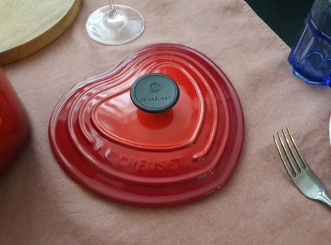 le-creuset-heart-shaped-lid-on-the-table
