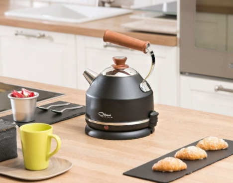 kettle feature in the kitchen