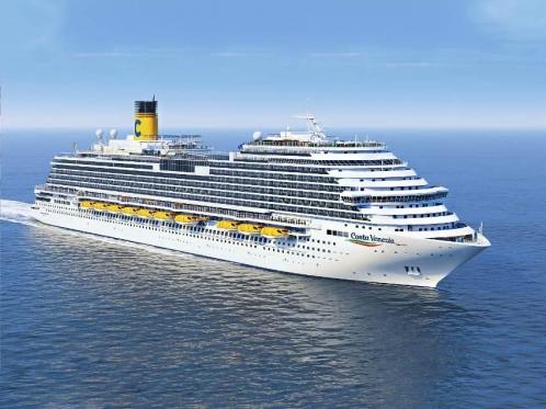 cruise-ship-in-a-sea