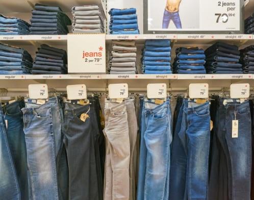 multi-coloured-jeans-in-a-shop-in-milano