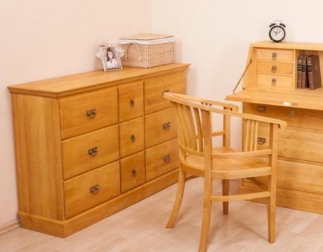 solid wood furniture display