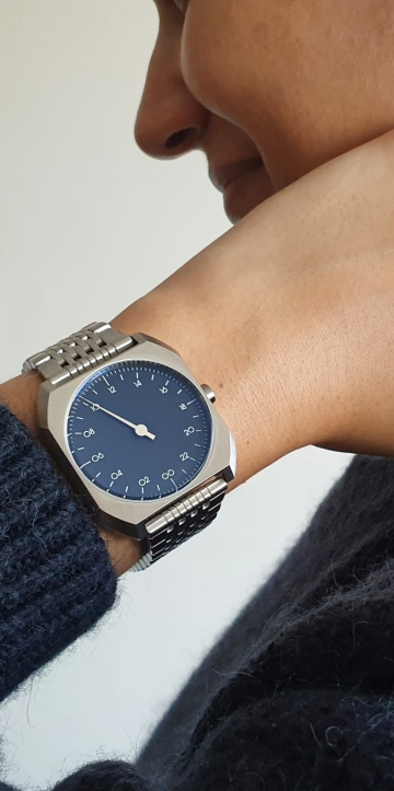 lifestyle one hand watch