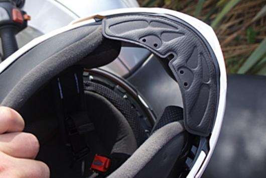 helmet insulation feature