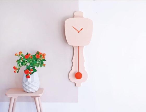 modern-wall-clock