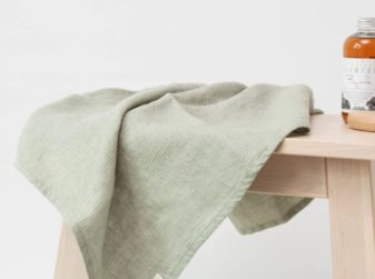 linen towels from Lithuania - green