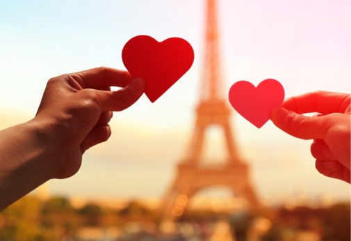 thumbnail link to 'romantic gifts from Europe' blog post