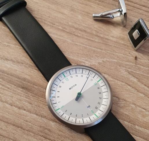show-look-of-botta-watch-design