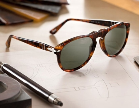 sunglasses-on-the-table