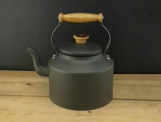 dark iron kettle